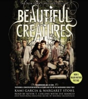 Beautiful Creatures written by Kami Garcia and Margaret Stohl performed by Kevin T. Collins and Eve Bianco on CD (Unabridged)