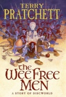 The Wee Free Men written by Terry Pratchett performed by Tony Robinson on CD (Abridged)